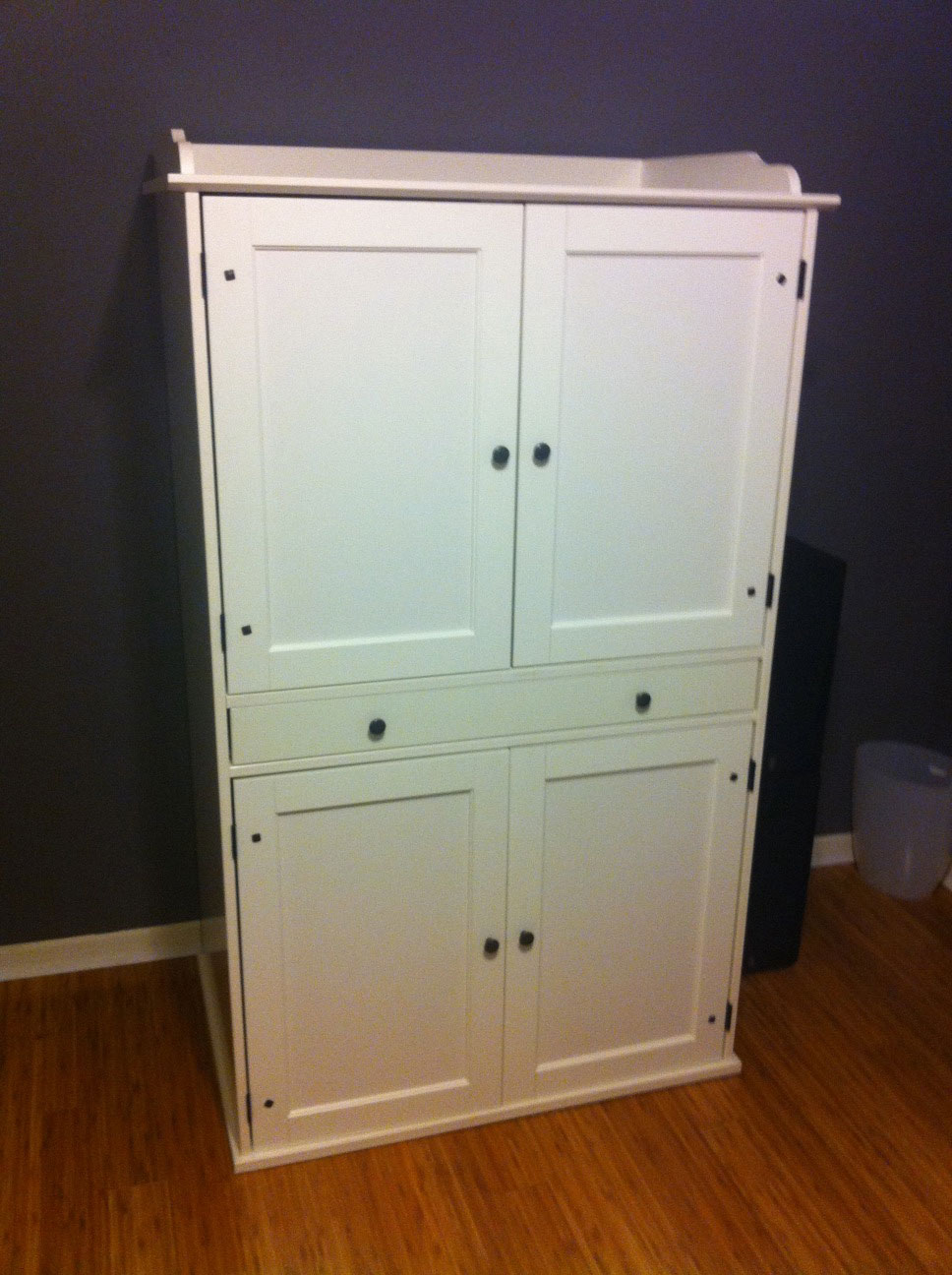 for sale ikea johan desk egarage sale. Black Bedroom Furniture Sets. Home Design Ideas